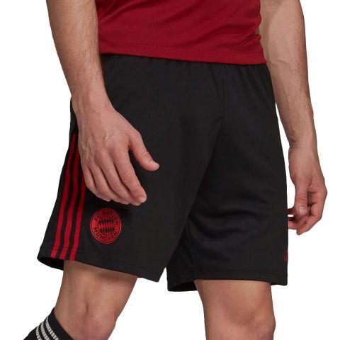 Adidas-FC-Bayern-M-nchen-Training-Short-Heren-2107261249