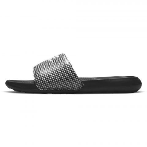 Nike-Victori-One-Print-Badslipper-Dames-2107261217